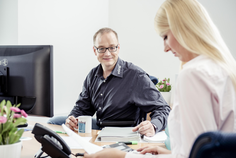 relog Mitarbeiter bearbeiten Lohnabrechnung