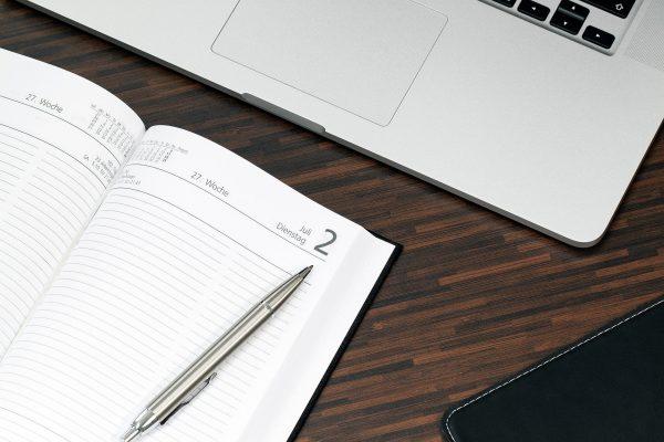 Kalender und Tastatur